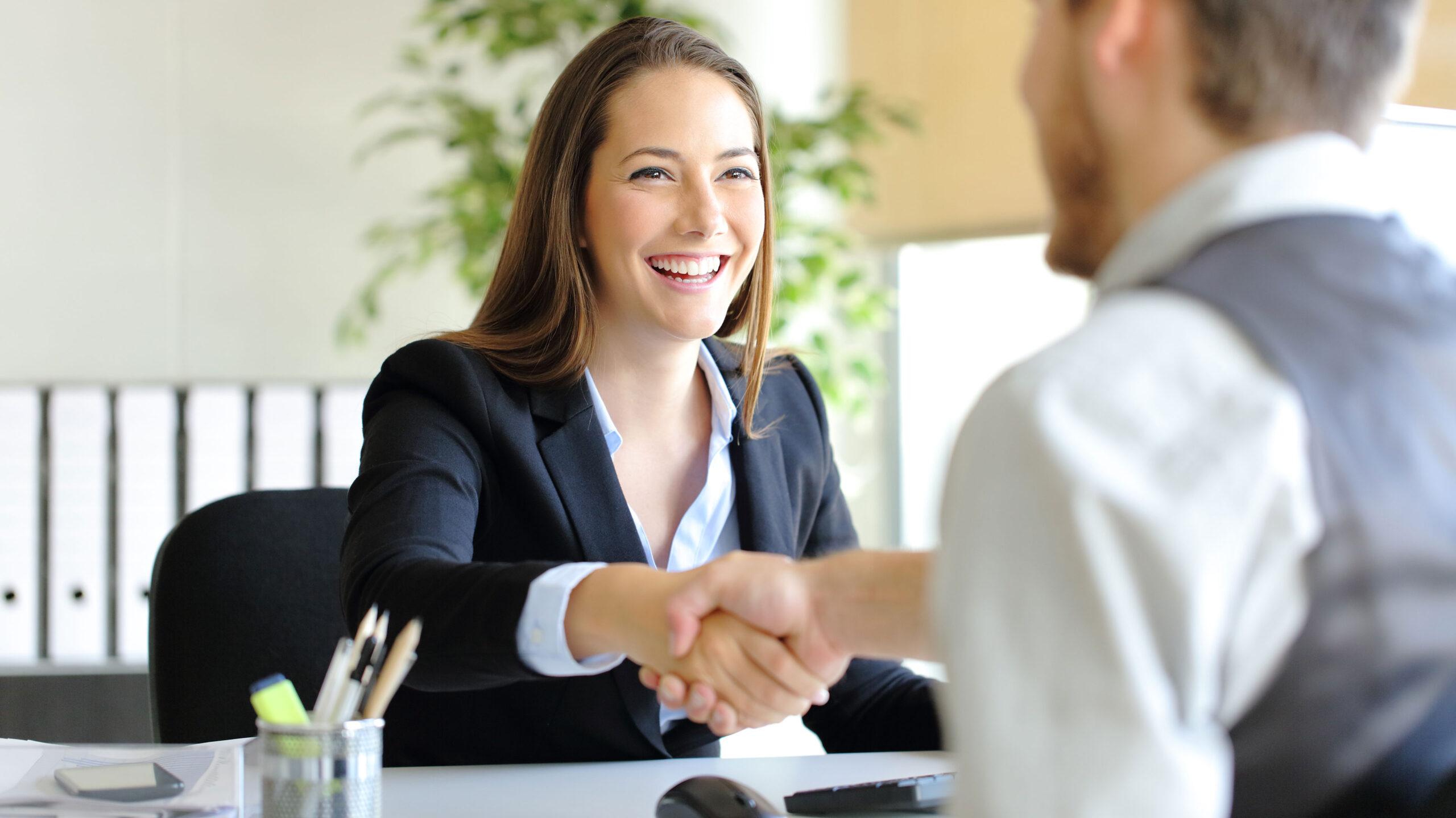 Преодолейте свой потолок в карьере. Получите должность руководителя или директора за счет новых навыков.